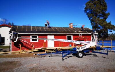 Nytt tak på ställplatsens servicehus